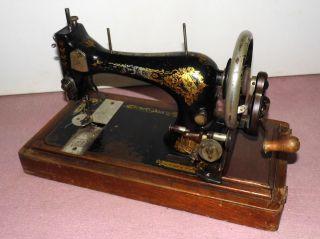 Nachlaß Antike Singer Nähmaschine Handkurbel Im Holz Koffer Bild