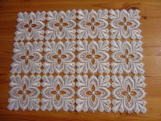 Altes Spitzen - Deckchen,  Weiß,  23 X 30 Cm Bild