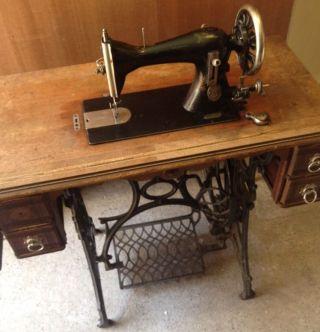 Antike Nähmaschine Decker,  Mannheim Mit Tisch Antik Rar Etwa 1900 Funktioniert Bild