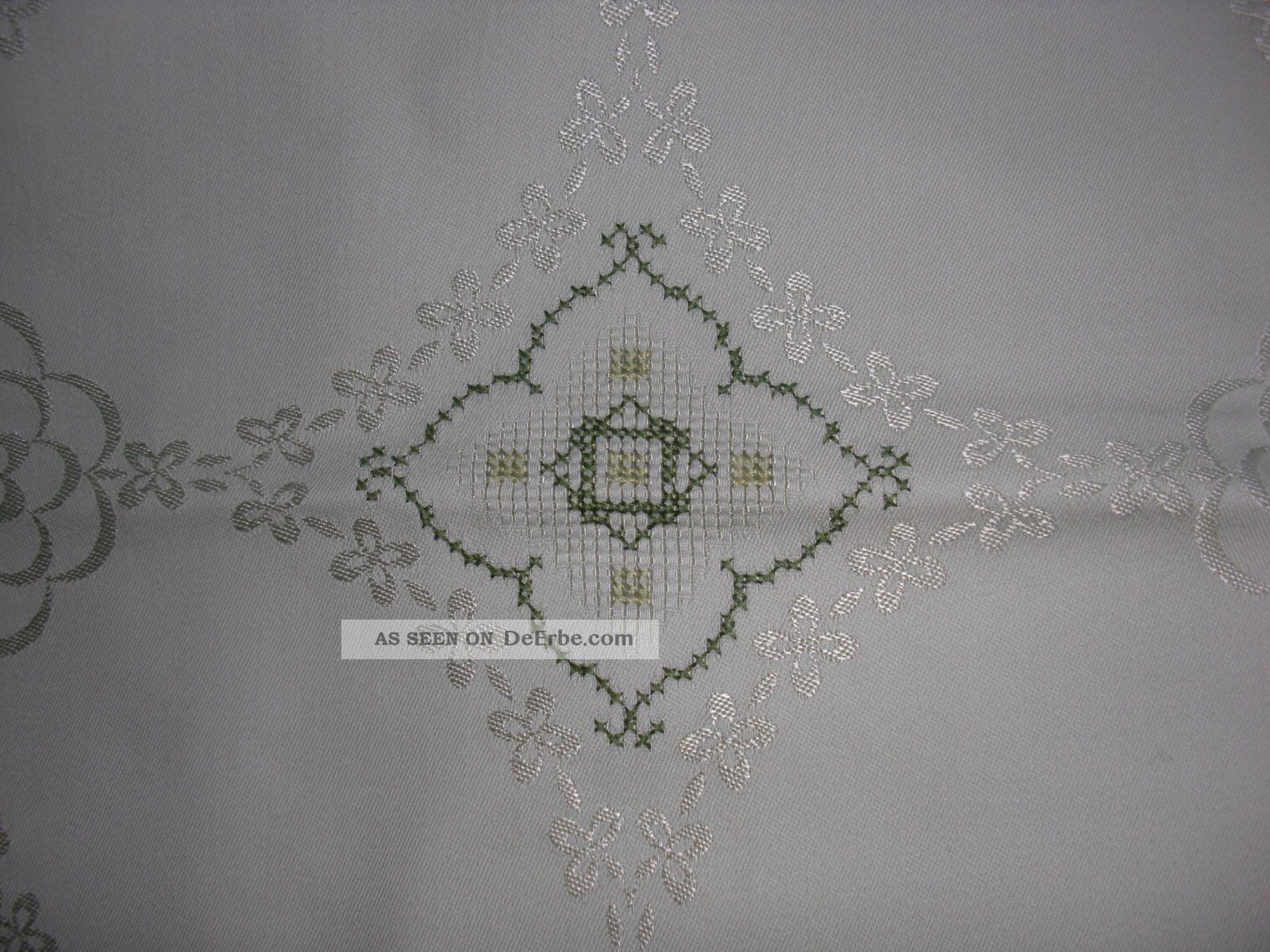 tisch decke tischdecke 140 x 140 handgestickt spitze hellgr n. Black Bedroom Furniture Sets. Home Design Ideas