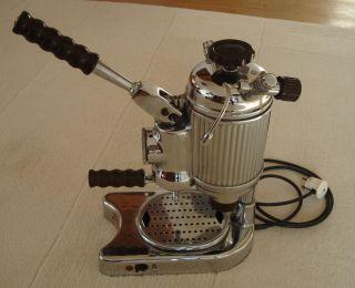 Antike Espressomaschine Faema Modell Faemina Bild