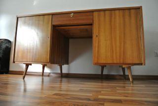 Design stil 1960 1969 mobiliar interieur for Schreibtisch 60er
