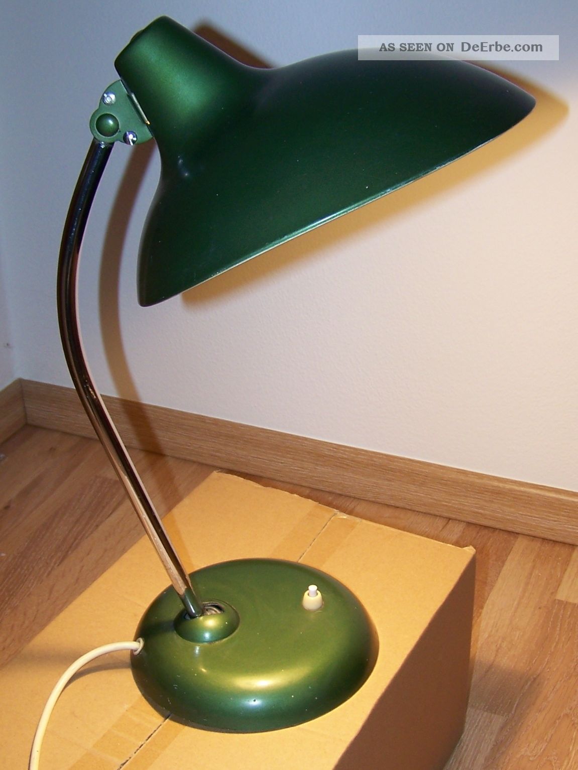 alte kaiser arbeits leuchte gr n schreib tisch lampe 50er. Black Bedroom Furniture Sets. Home Design Ideas