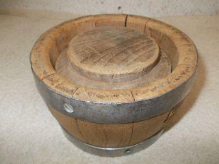 Alte Originale Holz Käsepresse,  Käsepresse,  Fass Käsepresse,  Saubere Alte Käsepress Bild