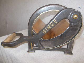 Alte Aufgearbeitete Ginge Brotmaschine,  Brotschneidemaschine,  Brotschneider Bild