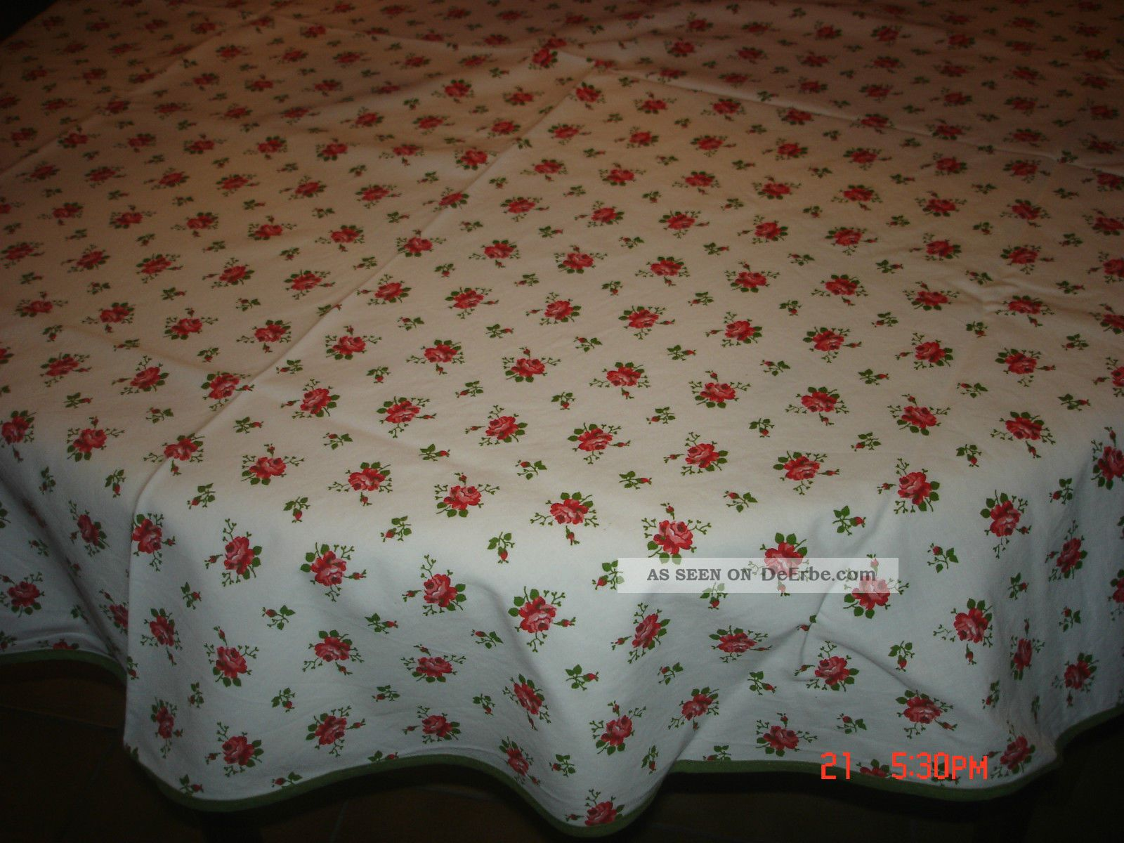 tischdecke 50er rund 144cm mit roten rosen shabby chic wohl nie benutzt paspel. Black Bedroom Furniture Sets. Home Design Ideas