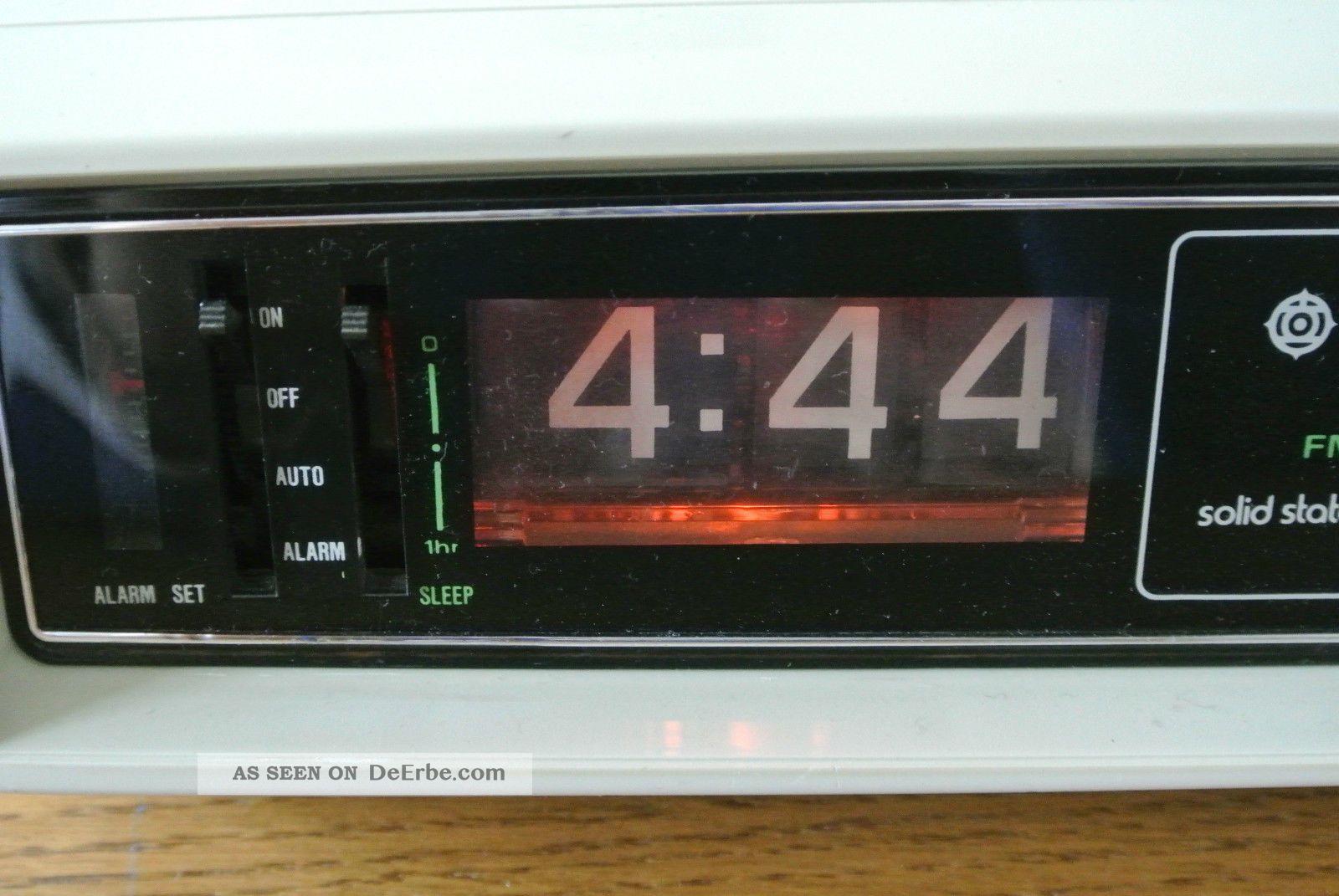 Hitachi Digital Clock - Klappzahlen - Radio - Wecker ...