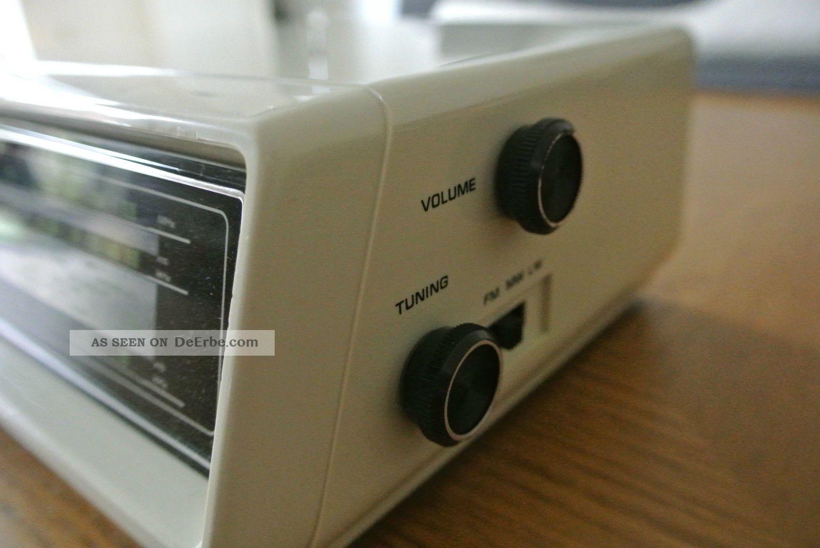 hitachi digital clock klappzahlen radio wecker. Black Bedroom Furniture Sets. Home Design Ideas