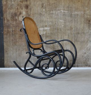Design stil 1920 1949 art d co antiquit ten for Thonet schaukelstuhl