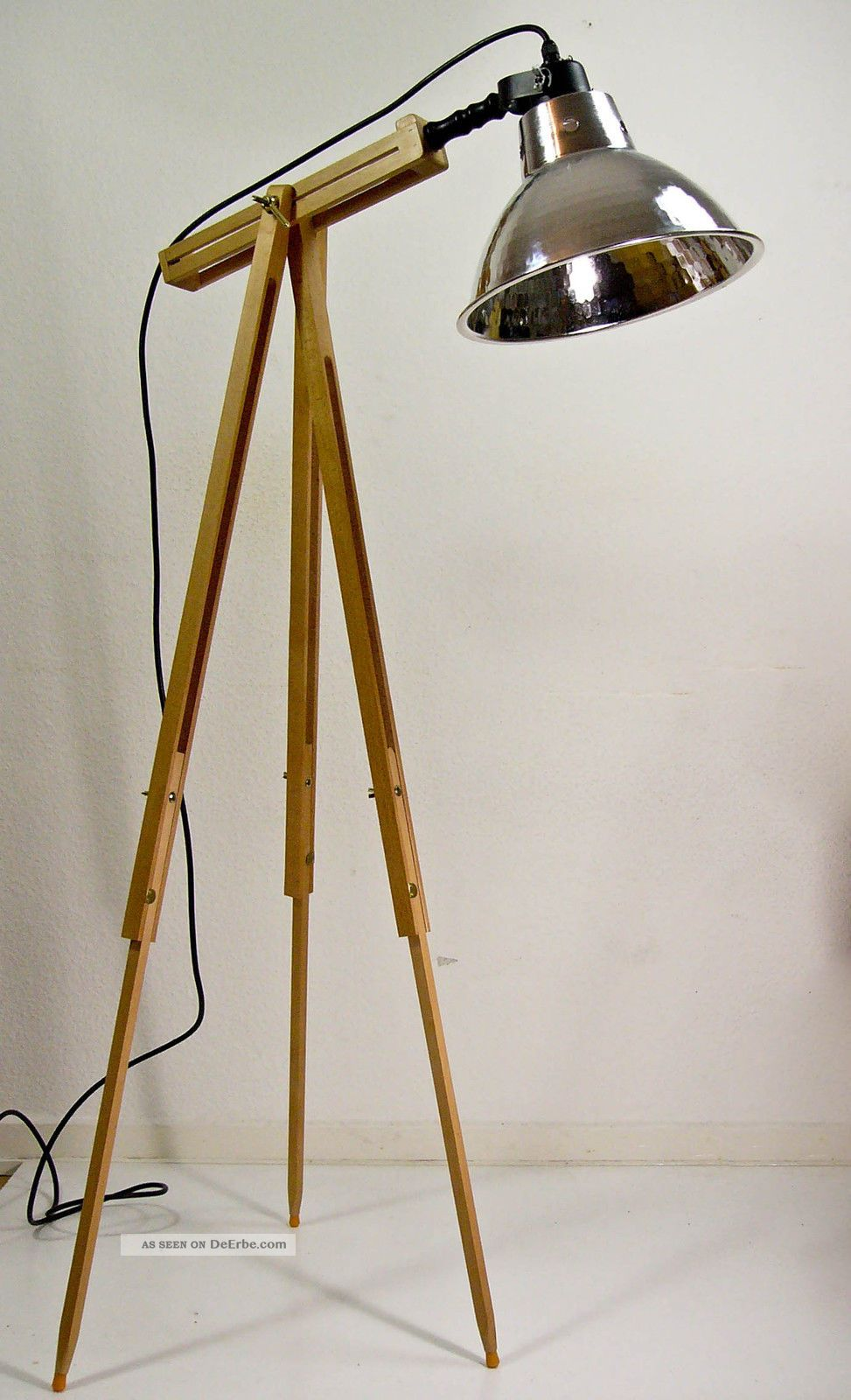 dreibein stehlampe scheinwerfer tripod holz stativ lampe vintage stil 70 er. Black Bedroom Furniture Sets. Home Design Ideas