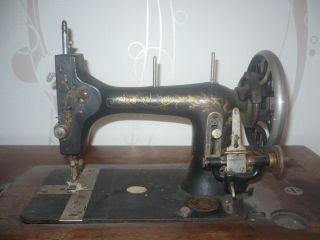 Antike Victoria Nähmaschine Bild
