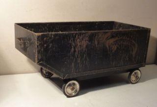 Alter Kaminwagen Holzwagen Kohlewagen Bild