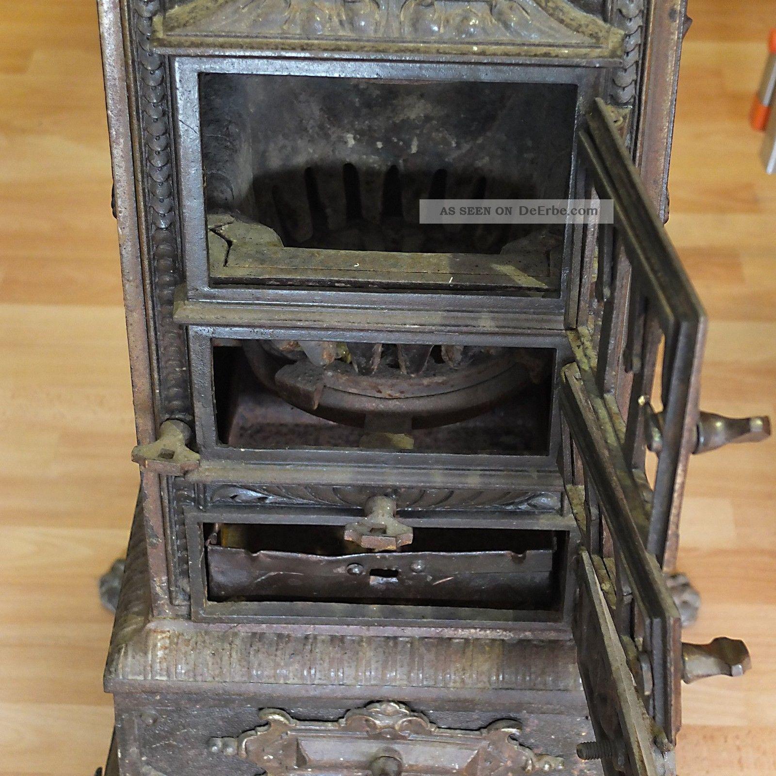 Alter Antiker Ofen Gussofen Historismus Kanonenofen Kamin Herd Feuerstelle