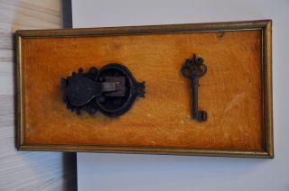 Rarität Renaissance Hohldornschlüssel,  Zangenschloss / Truhenschloss Eisen Bild