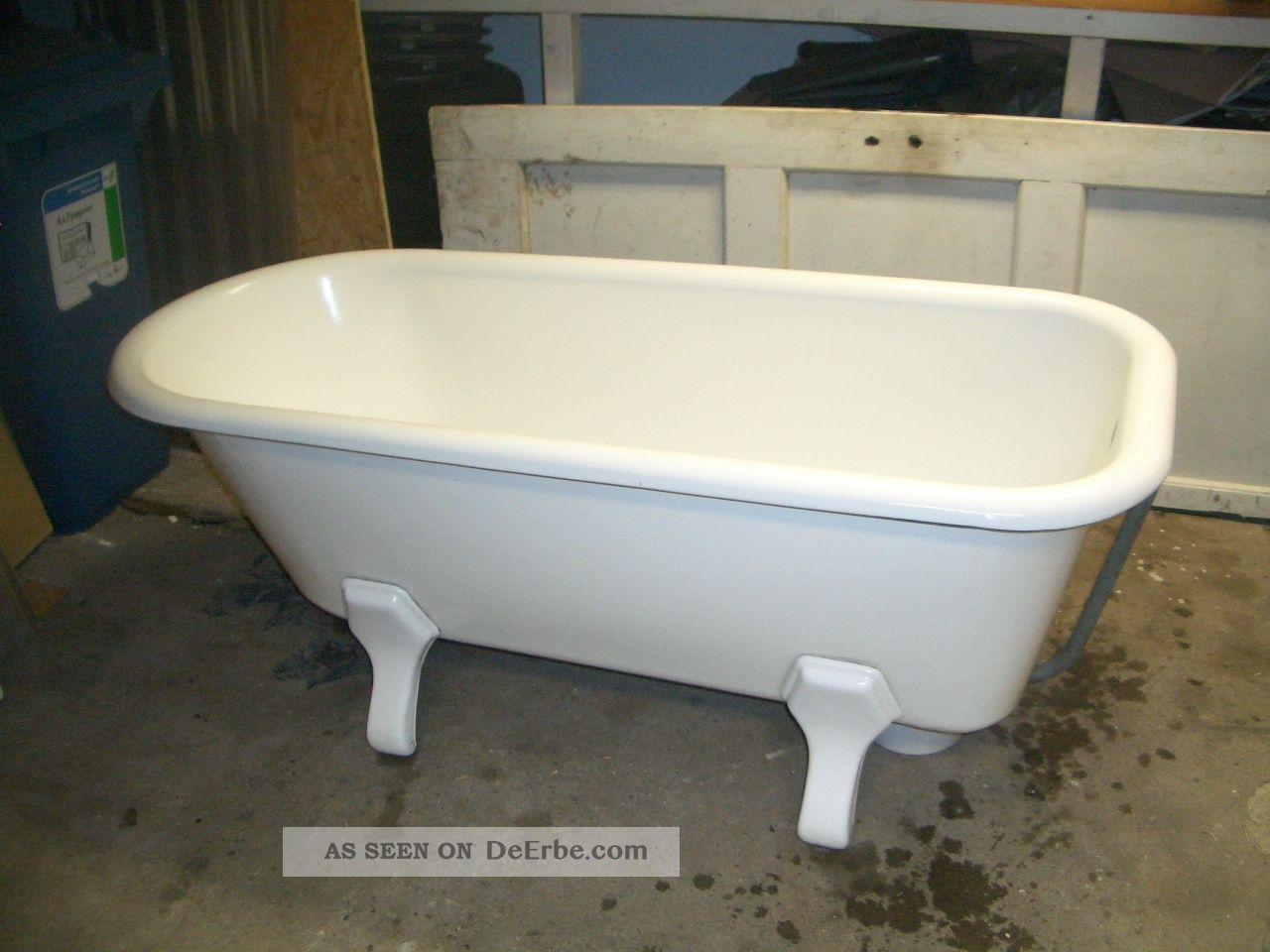 alte freistehende badewanne emailie gut erhalten. Black Bedroom Furniture Sets. Home Design Ideas