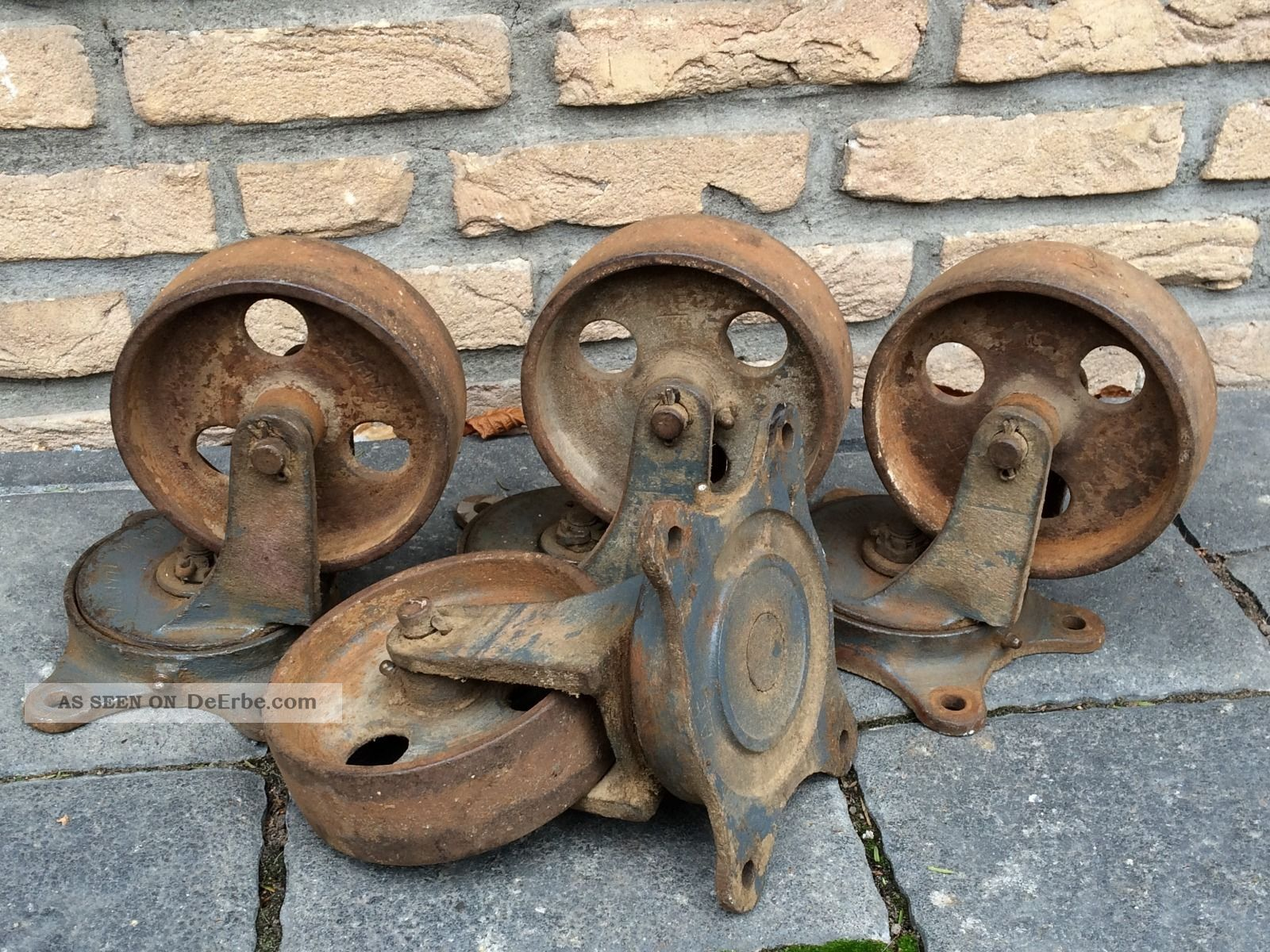 4 Alte Rostige Antike Eisenräder (rollen) Vintage,  Paletten Möbel,  Funktionsfähig Original, vor 1960 gefertigt Bild