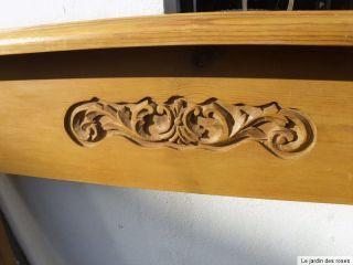 Kaminumrandung Aus Massivholz Mit Geschnitzten Verzierungen - Alternativ Regal Bild