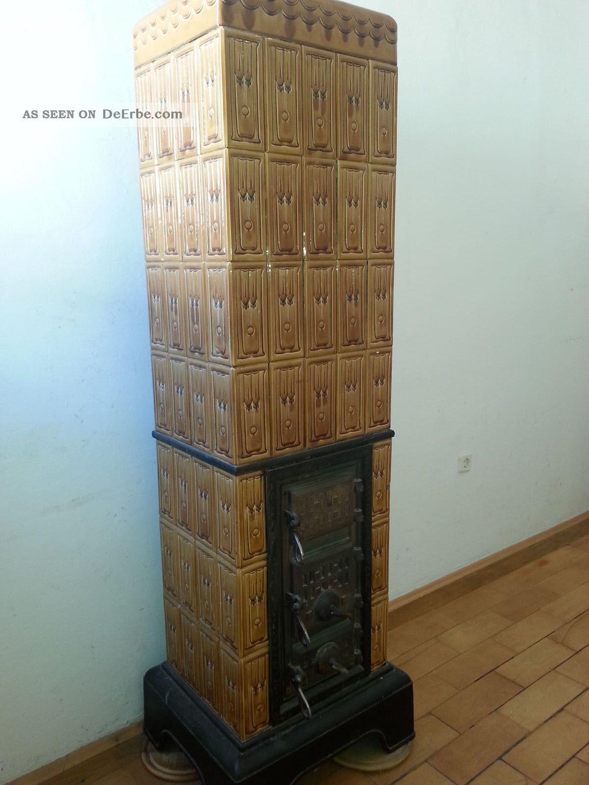 Kachelofen,  Ca.  100 Jahre Alt,  Braun,  Verzierte Kacheln Original, vor 1960 gefertigt Bild
