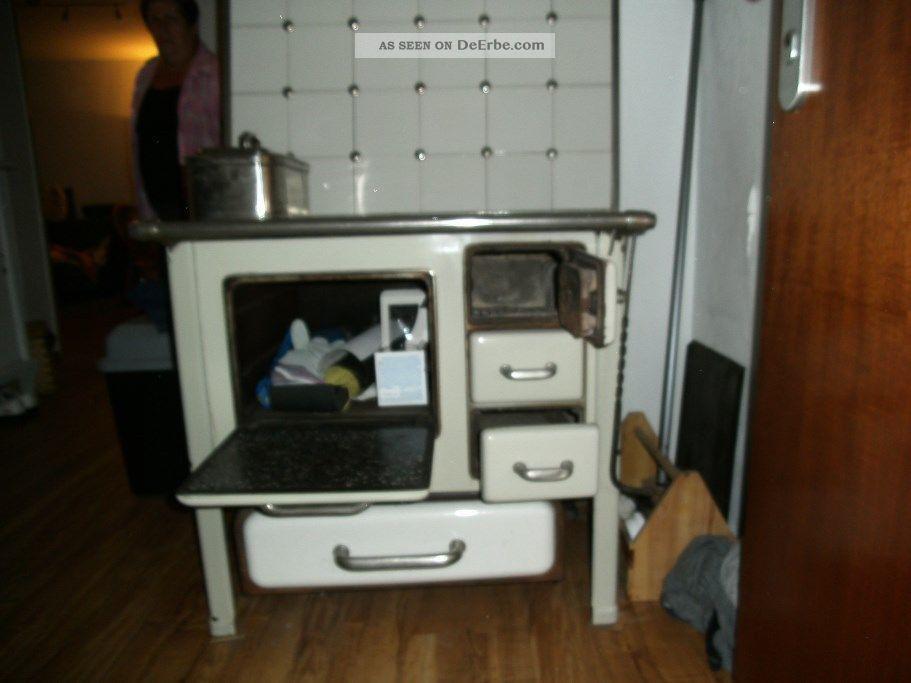 antiker ofen r der. Black Bedroom Furniture Sets. Home Design Ideas
