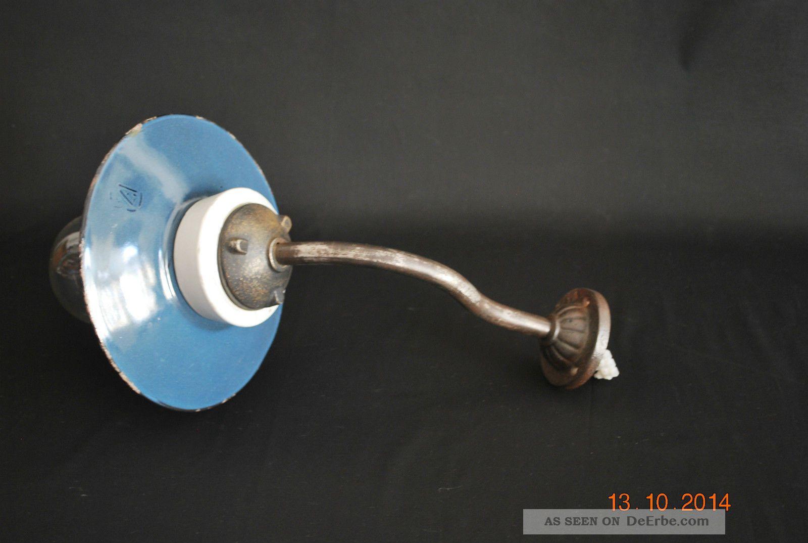 Alte Hoflampe,  Ausleger Emaille Gusseisen Porzellan In Kräftigem Blaugrau Original, vor 1960 gefertigt Bild