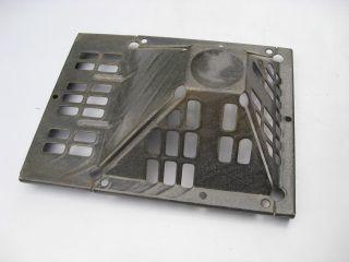 Altes Gasofen Entlüftungsgitter Wandabdeckung Emaille Verkleidung Ofenrohr Abgas Bild