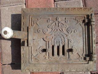 Kleine,  Verzierte Antike Gußeisen - Tür Mit Rahmen,  Lüftung F.  Herd - Kamin - Ofen Bild