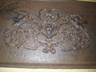 Uralte Ofenplatte - Kaminplatte - Vögel - Frauenkopf Bild