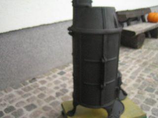 Kanonenofen Holzofen Kohleofen Gusseisener Ofen Bild