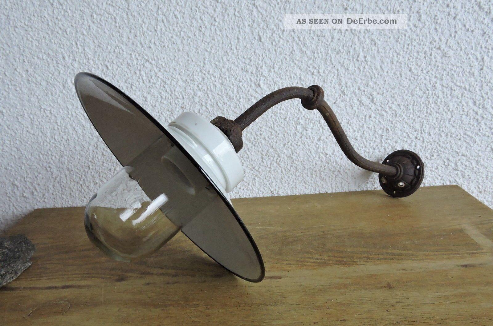 Art Deco Baushaus Lampe Wandlampe Hoflampe Ausleger Glaskolben Emailschirm Original, vor 1960 gefertigt Bild