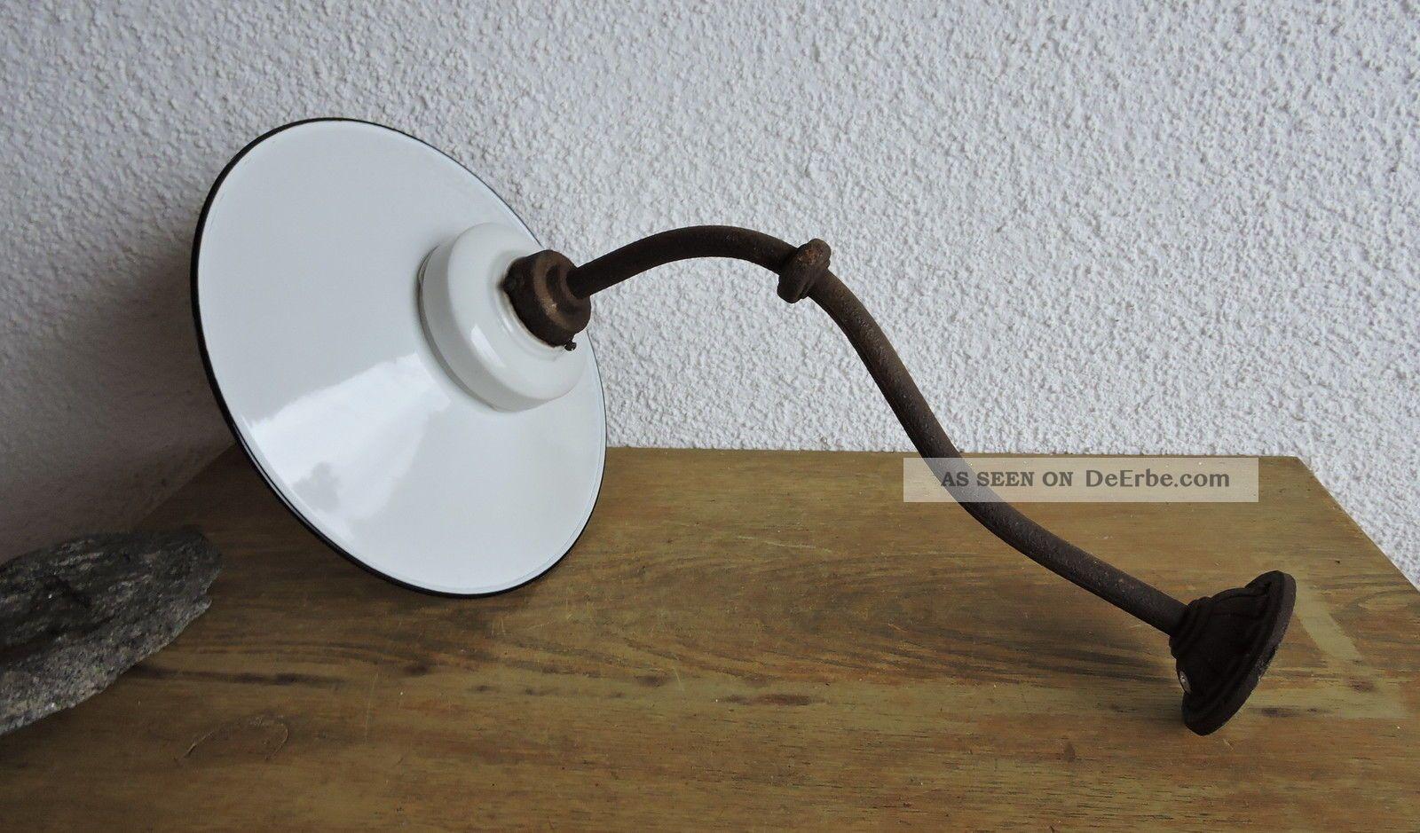art deco baushaus lampe wandlampe hoflampe ausleger glaskolben emailschirm. Black Bedroom Furniture Sets. Home Design Ideas