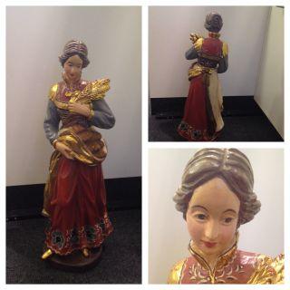 Große Holzfigur Frau Mit Ähren Bemalt Vergoldet Handgeschnitzt 60 Cm Bild