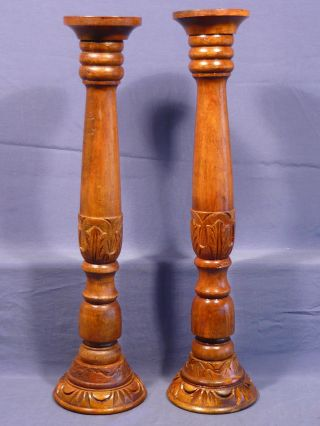 2 Alte Große Holz Kerzenständer Gedrechselt,  Geschnitzt Bild