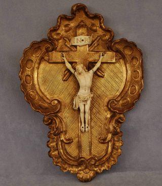 Antikes Kruzifix Christus Aus Bein In Geschnitztem Holzrahmen Beinarbeit 18.  Jhdt Bild