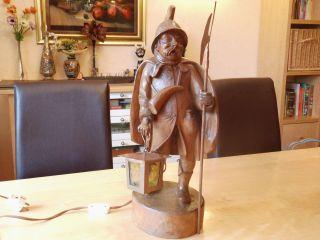 Holzfigur Nachtwächter Mit Beleuchtung Und Hellebarde,  Geschnitzt,  50cm Hoch Bild