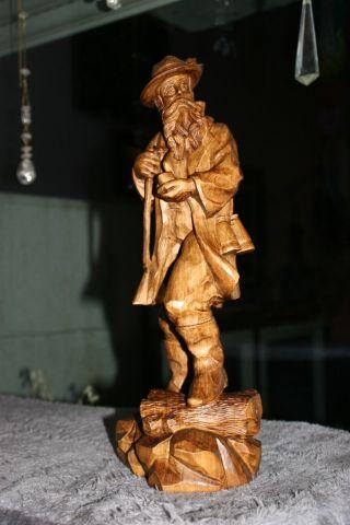 Alte Holzfigur,  Vintage,  JÄger,  Handarbeit,  Signiert,  Edles Holz,  Schnitzerei Bild