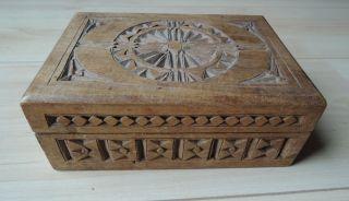 Schöne Geschnitzte Schatulle / Kiste Aus Nussbaum - Holz,  Gesellenstück Um 1900 Bild