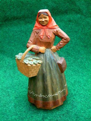 Alte Marktfrau Bäuerin Magd Fischerin Geschnitzt Handbemalt Holzfigur Bild
