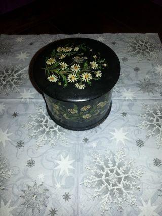 Alte Holzdose Mit Deckel Und Blumenmotiven Bild