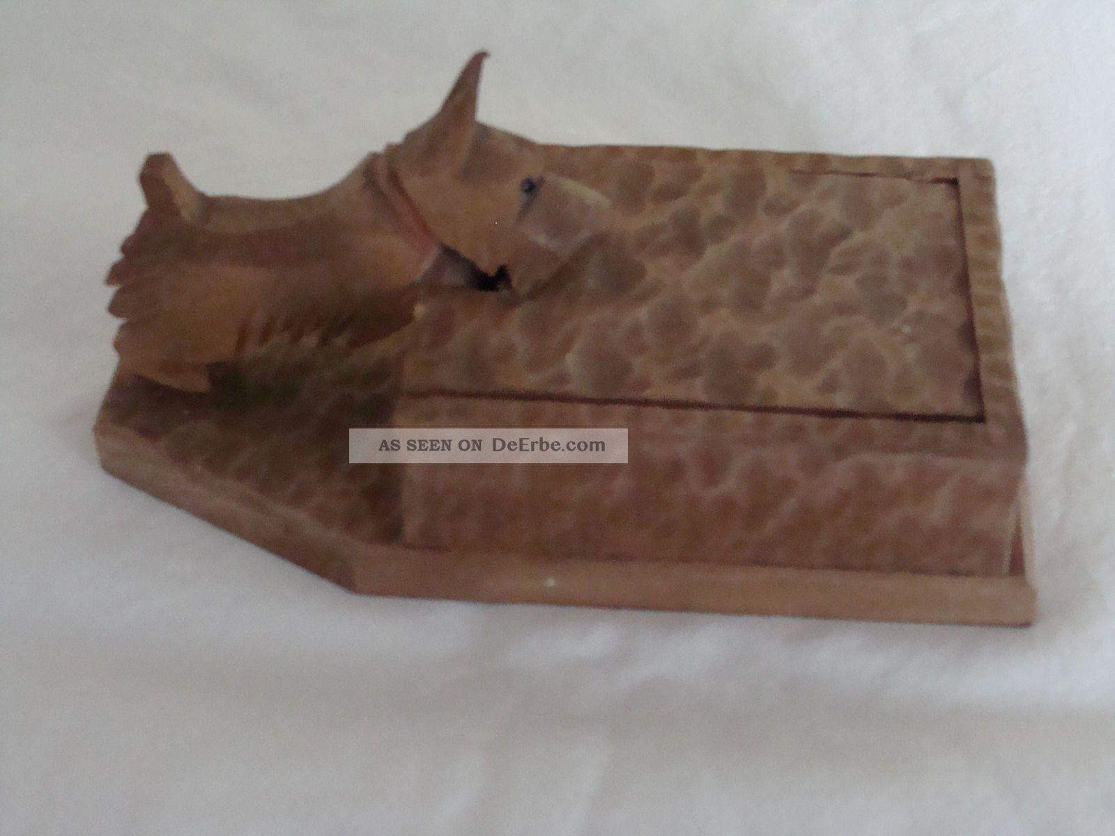 Alte zigarettenbox aus holz mit geschnitztem hund von 1948 for Alte obstkisten aus holz