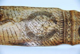 Absolute Rarität,  Scrimshaw Der Batak Aus Sumatra,  Amulett,  Schriftzeichen Bild