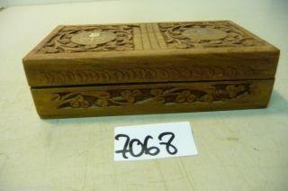 7068.  Alte Holz Schatulle Kassette Truhe Schatztruhe Bild