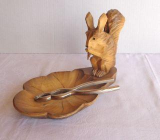 Nußknacker Metall Holz Halter Eichhörnchen Schale Handgeschnitzt Bild