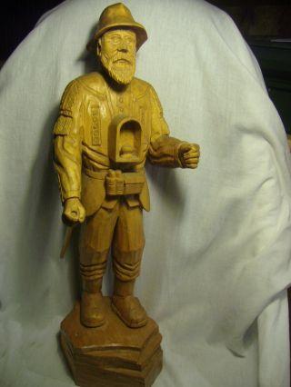 Alte Holzfigur Handschnitzerei Bild
