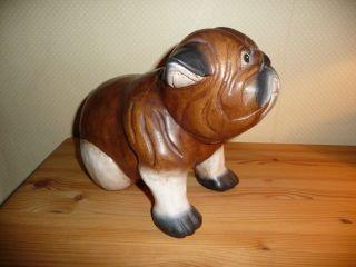Geschnitzter Hund Bild
