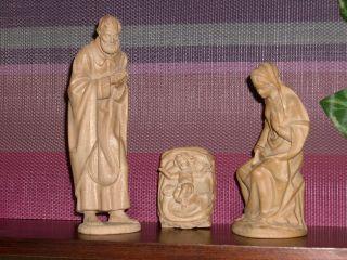 Holzfigur - Heiligenfigur - Krippenfiguren - Hl.  Familie - Südtirol? - Anri? - Geschnitzt Bild