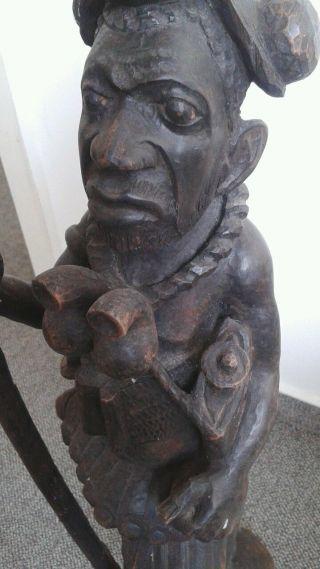 Großer Krieger Alte Holzfigur Figur Künstlerische Handarbeit Bild