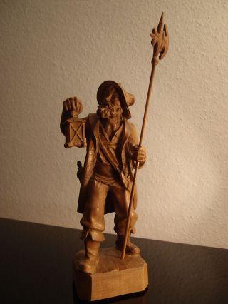 Holzfigur Nachtwächter Geschnitzt. Bild