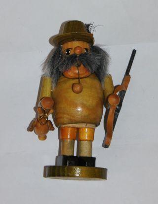 Räuchermann Jäger Mit Gewehr Und Hase 14 Cm Hoch Bild