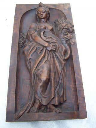 Antikes Hozrelief Schnitzarbeit Weinkönigin,  Göttin Bild