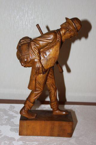 Holzarbeit,  Holzfigur,  Wanderer Mit Stock Und Rucksack,  35 Cm Hoch,  710 G Schwer Bild